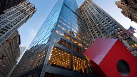 Image: Isamu Noguchi's Red Cube in front of 140 Broadway, New York.